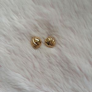 Vintage Gold Shell Earrings